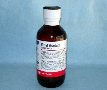 Ethyl acetate (C2H5CH3COO)
